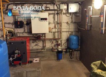 Современный внутренний водопровод загородный дом может быть оборудован различными устройствами –  от самых необходимых, таких как унитаз, умывальник и душ, до джакузи и бассейнов.